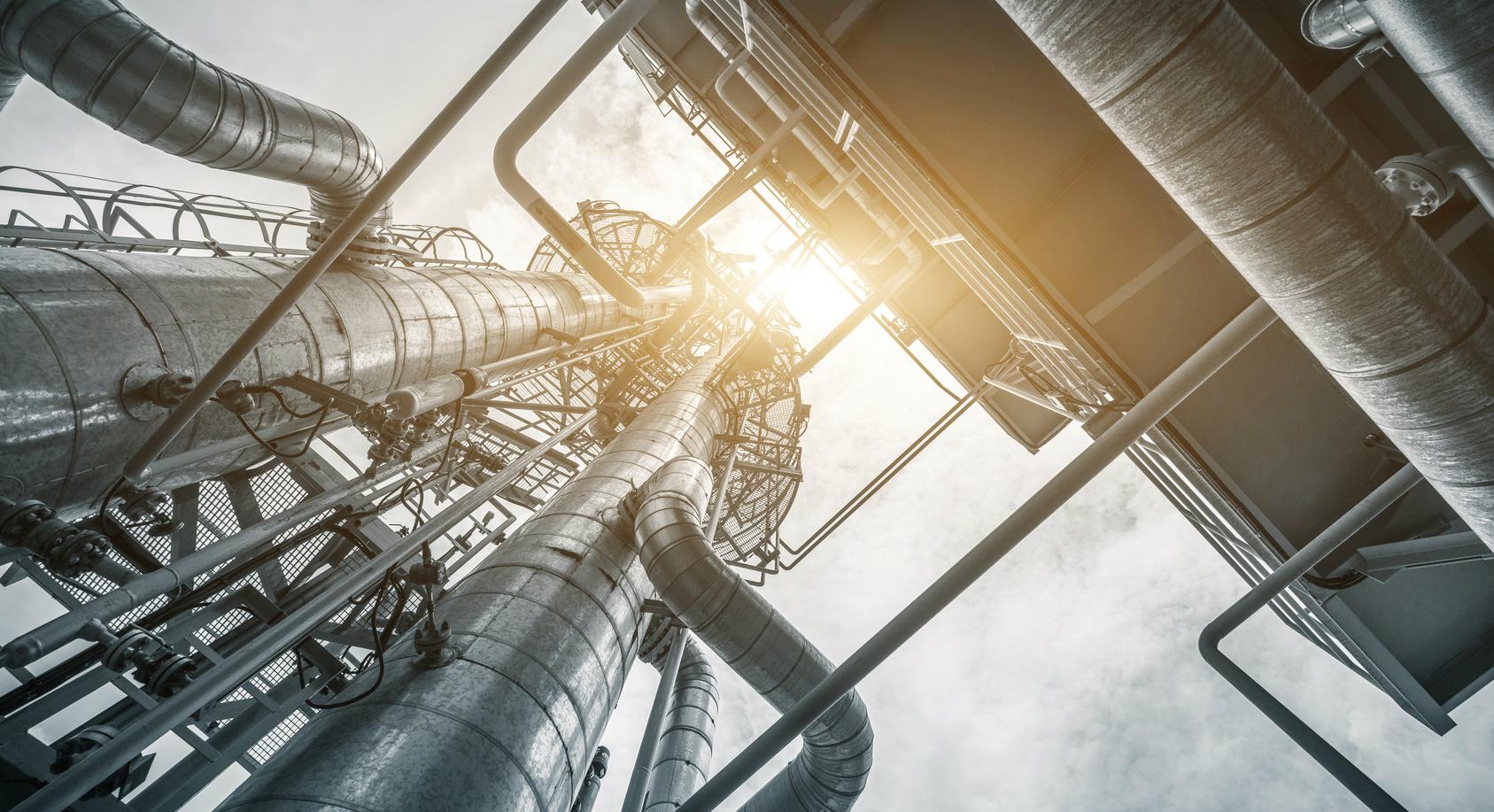 Нефть и газ: обеспечение бесперебойной работы НПЗ c помощью оборудования EATON